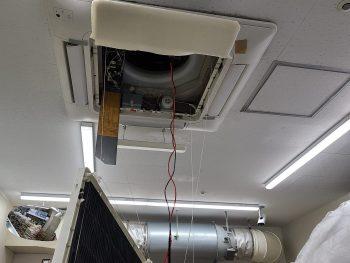 東芝製エアコン室内機 昇降パネル
